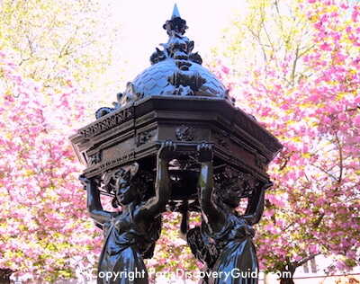 Wallace Fountain and cherry blossoms in April