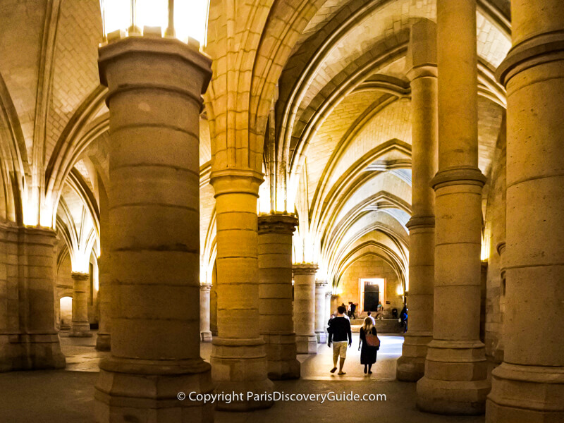 Walking through the Hall of Soldiers at La Conciergerie