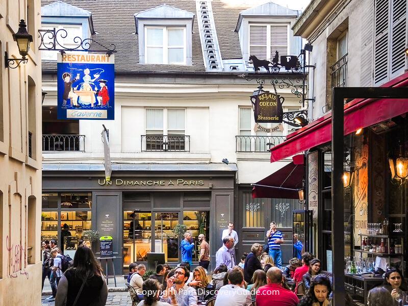Un Dimanche a Paris and  Relais Odeon in Cour du Commerce Saint-André