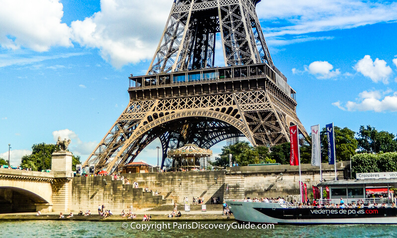 Pop-up food market at the foot of the Eiffel Tower