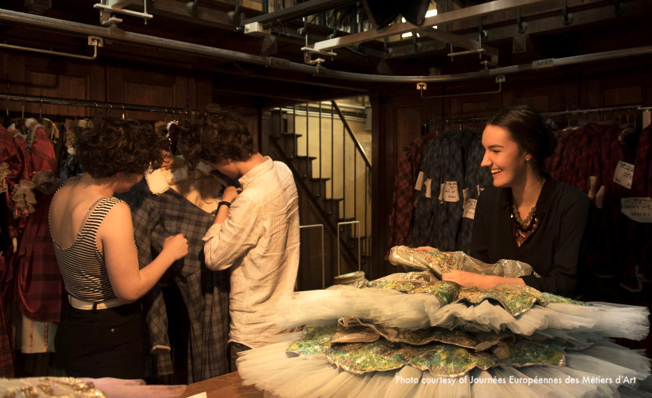 Visit to the costume creation studio at the Opéra National de Paris