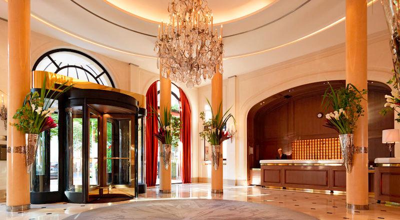 Lobby at Le Plaza Athénée, 5-star Palace hotel in Paris