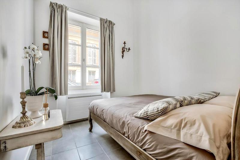 Bedroom at Le Petit Pavillon de Versailles