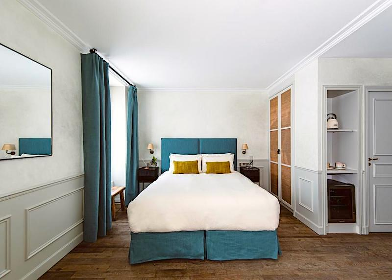 Guest room at HOY Hotel in Paris's 9th arrondissement