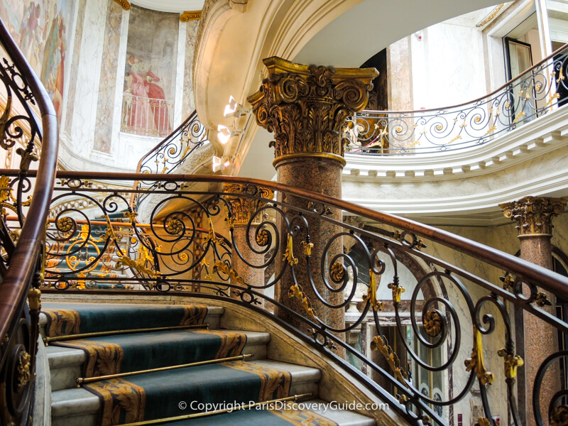 Musée Jacquemart-André - stairs to first floor galleries