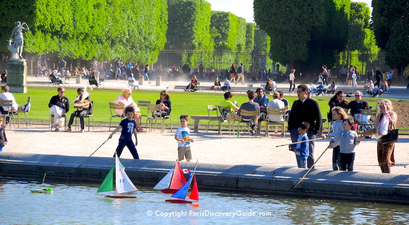 Sailing boats in the pool in Luxembourg Garden in May