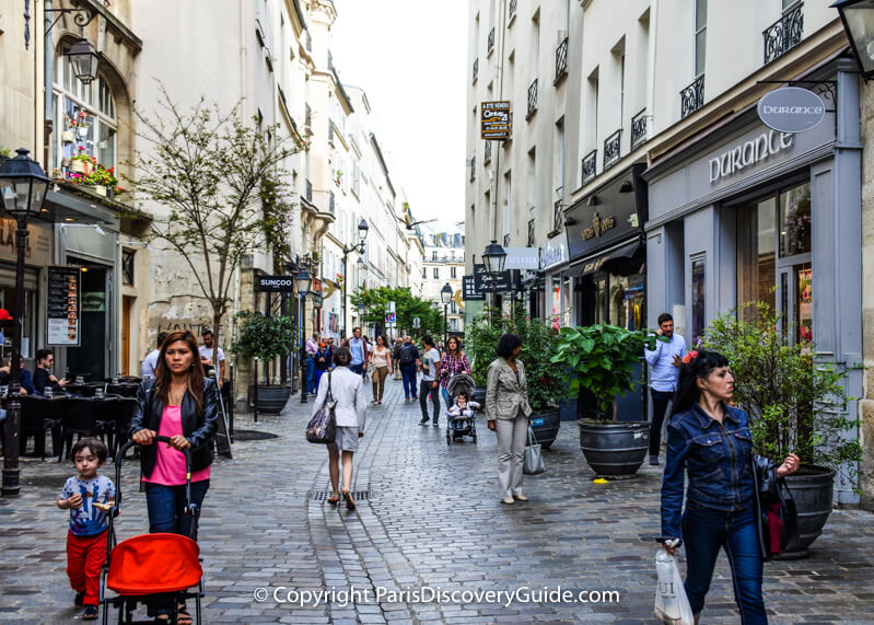 Shopping in the Marais on a Sunday afternoon