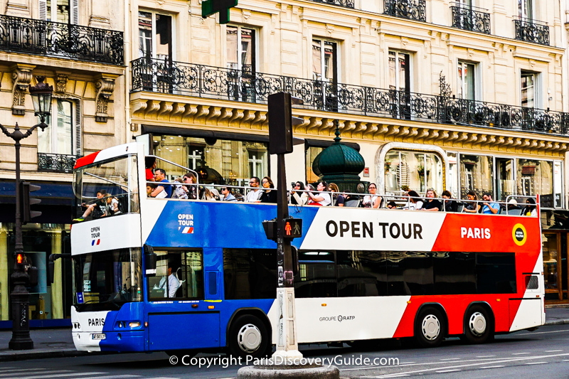 Hop on hop off bus in Paris