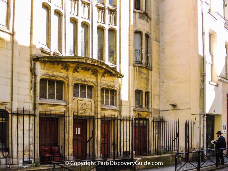 Agoudas Hakehilos Synagogue on Rue Pavée in the Marais
