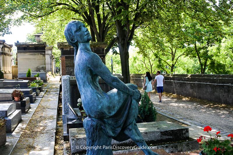 Sculpture of (presumably) Remina Maggiori by Marcello Tommasi