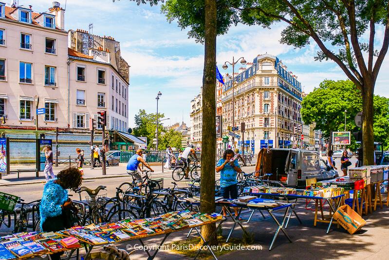 Street market on Boulevard de Ménilmontant next to Pere Lachaise