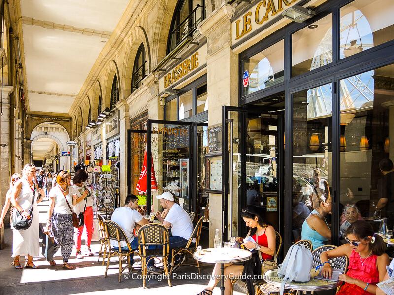 Rue de Rivoli arcades
