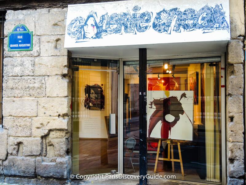Art gallery on Rue des Grands Augustins in Saint-Germain