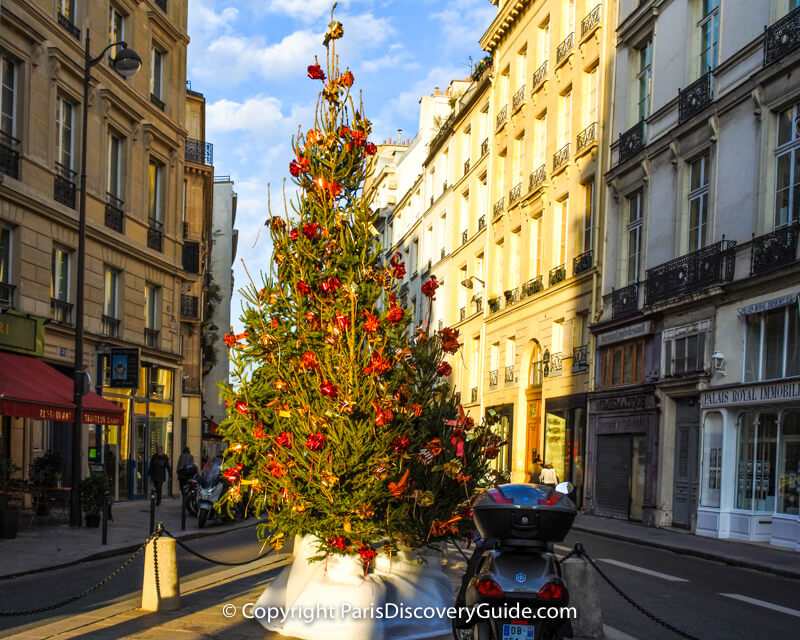 Christmas lights in Paris neighborhoods
