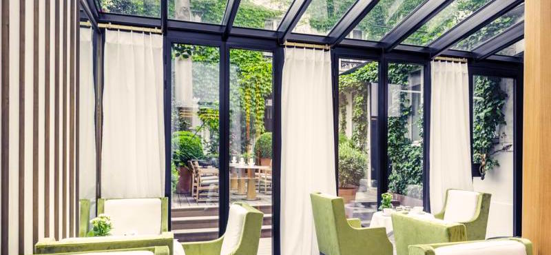 Breakfast room and outdoor dining terrace at 3-star Mercure Paris Champs Élysées