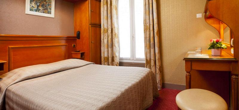 Guestroom at Hôtel Élysée Étoilein Paris's 17th Arrondissement