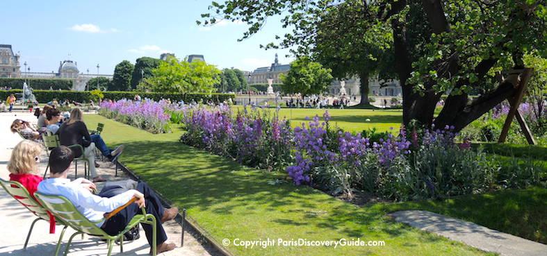 Paris's 1st arrondissement - Soaking up sun in the Jardin des Tuileries
