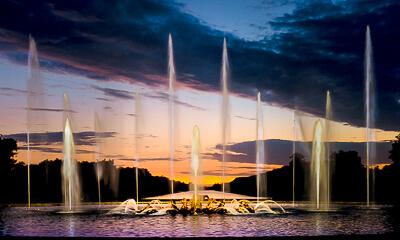 Fireworks Show at Versailles Gardens - photo credit Yann Caradec