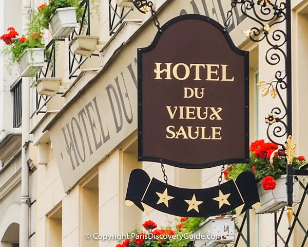 Paris hotel sign - Marais