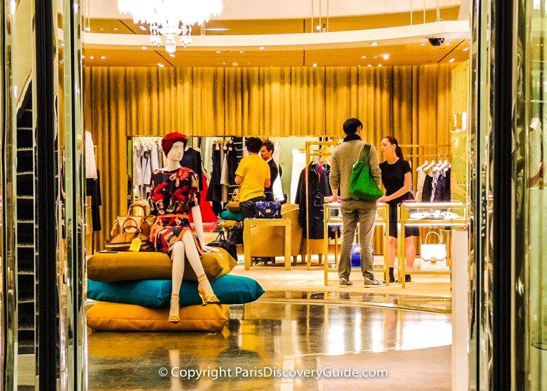 Designer boutique in Printemps Haussmann