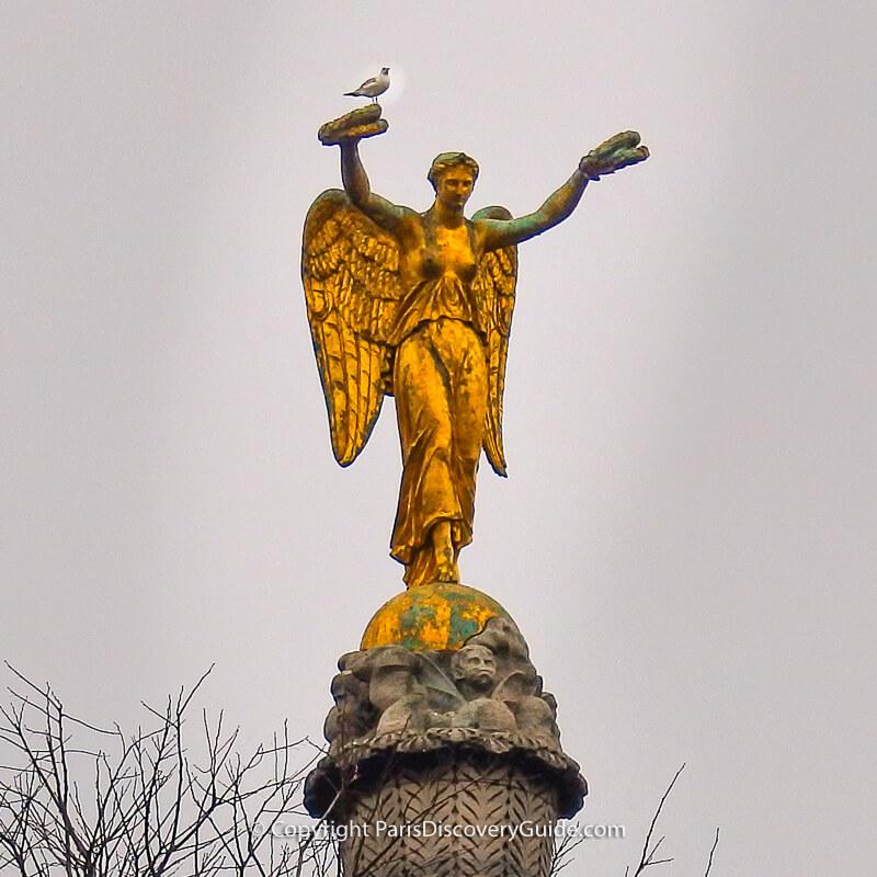 Victory Column at Place du Châtelet