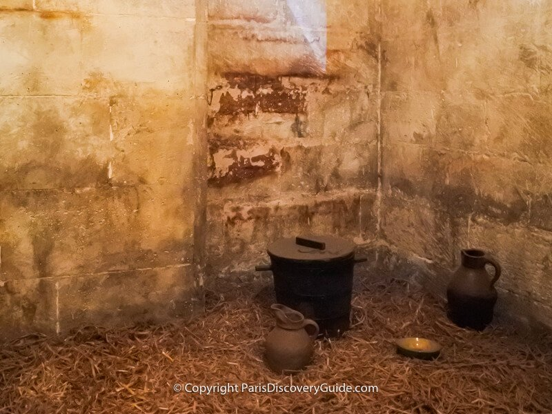 Conciergerie cell with straw floor where the poorest prisoners stayed