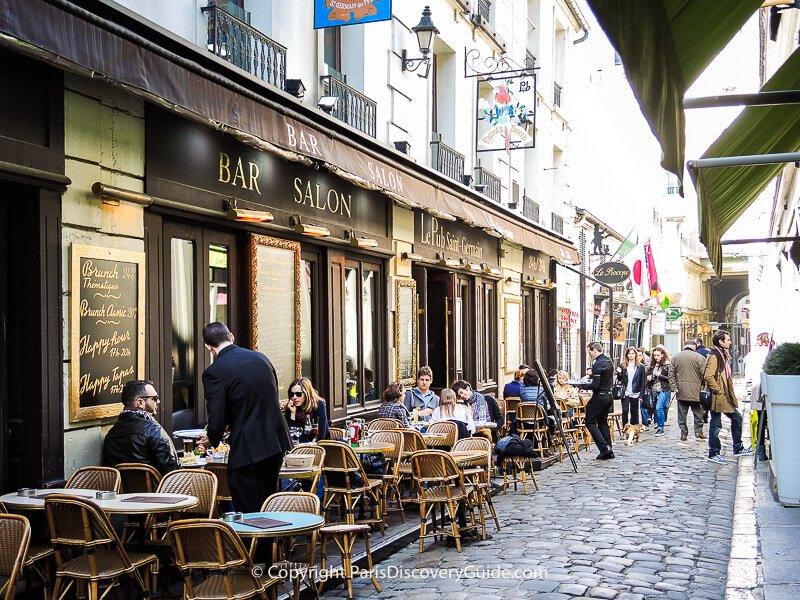 Le Pub Saint-Germain terrace seating in Cour du Commerce
