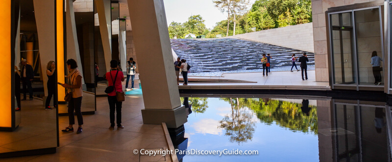 Reflecting pool at Fondation Louis Vuitton in Paris