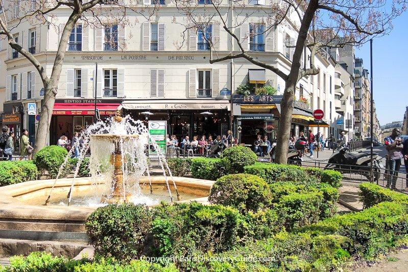 Place Contrescarpe in Paris's Latin Quarter