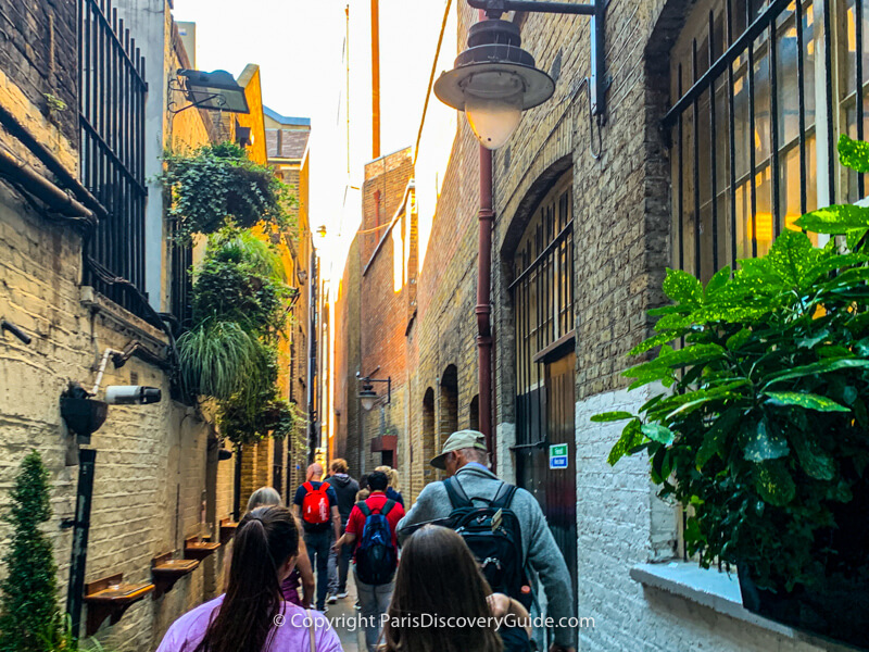 Brydges Place, London's narrowest alley