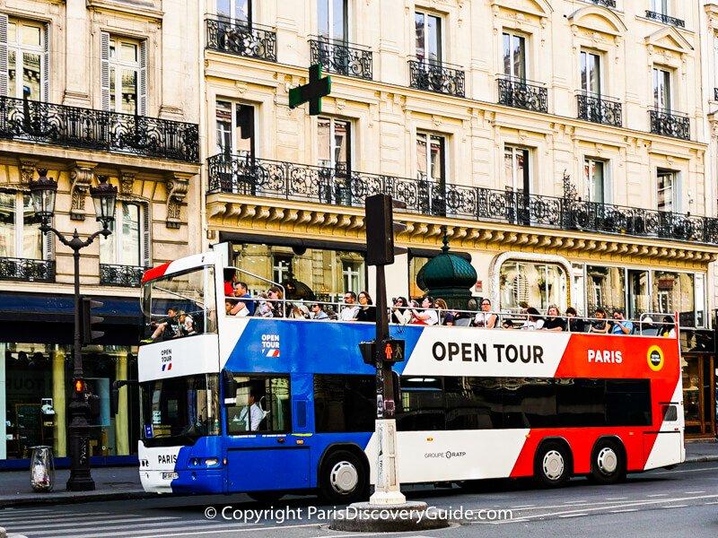 Hop on hop off bus in Paris