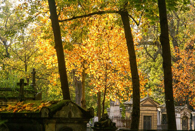 Pere Lachaise Cemetery in autumn - Photo credit: David Baron