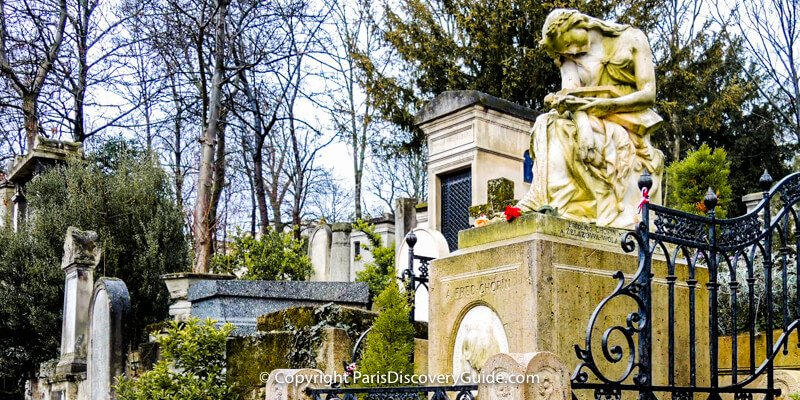 Pere Lachaise Cemetery in Paris - Chopin's tomb