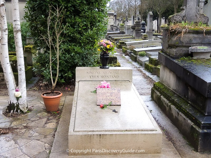 Grave of Simone Signoret and Yves Montand in Paris