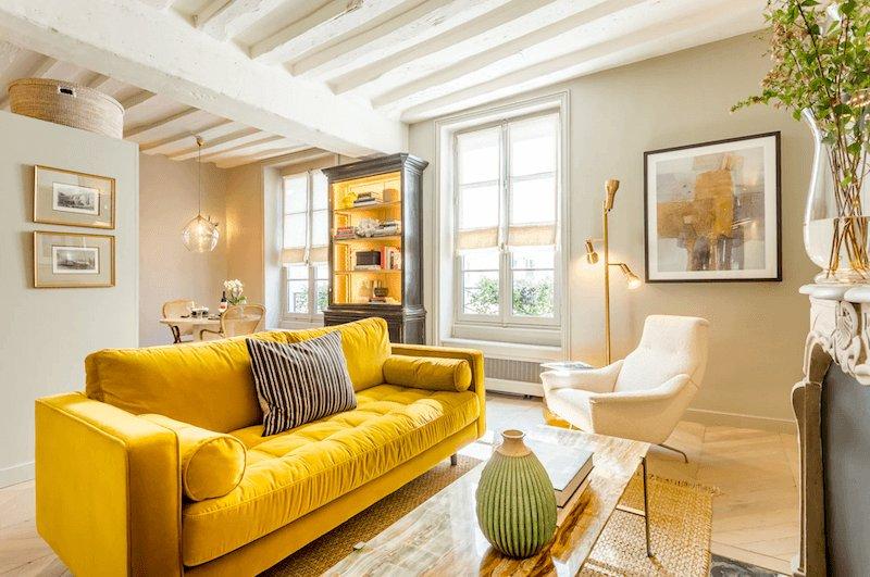 Poodle & Blonde apartment in Paris's 6th district