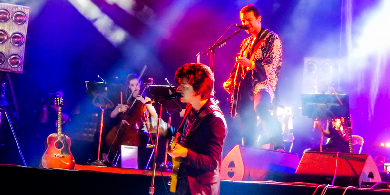 The Last Shadow Puppets playing at Rock en Seine
