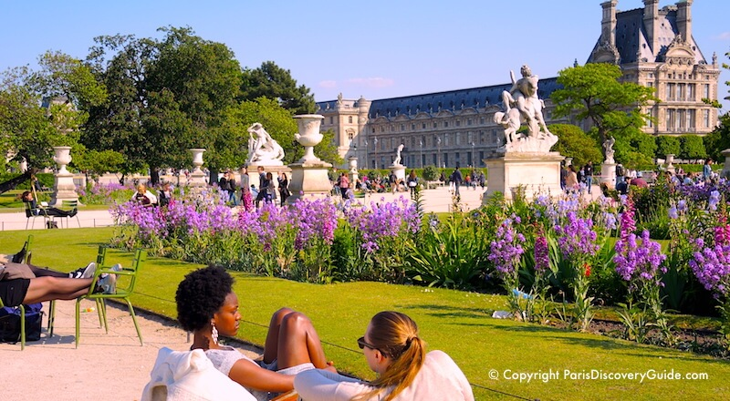 Relaxing in Jardin des Tuileries on a beautiful May afternoon in Paris