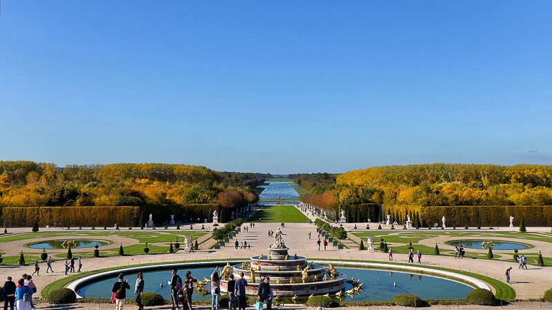 Latona's Fountain with the Green Carpet, Basin of Apollo (barely visible), and Grand Canal in the background- Photo credit: Patrick