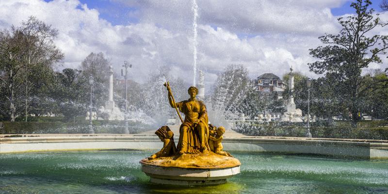 Versailles Garden statue spraying water