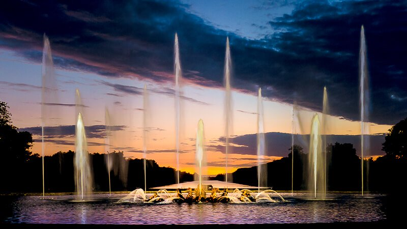 Night Fountains show at Versaille's Grand Canal - Photo courtesy of Yann Caradec