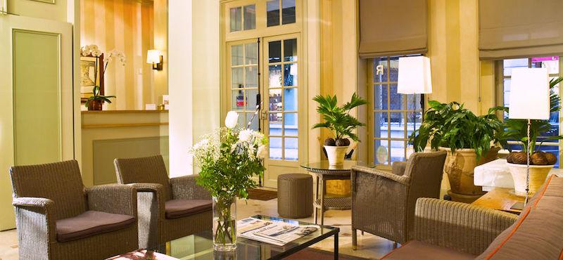 Lobby at Hôtel des Deux-Îles in Paris