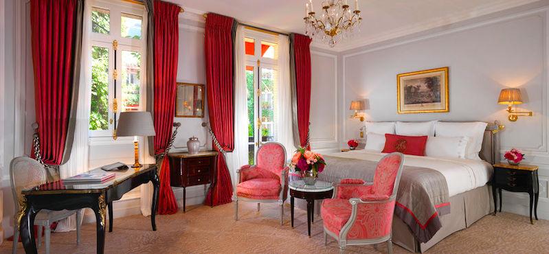 Guestroom at Le Plaza Athénée